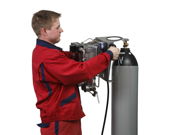 Anschluss-1-Nitrogen-Charging-Unit.jpg